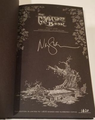 THE GRAVEYARD BOOK: Graphic Novel Single Volume Signed Limited Edition.
