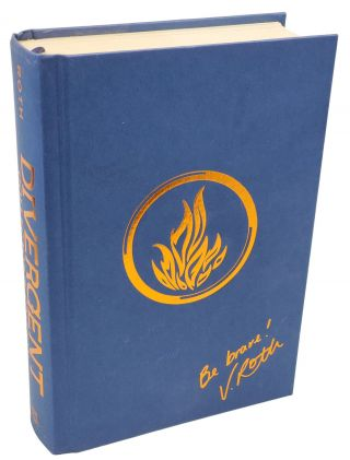 DIVERGENT: COLLECTOR'S EDITION.